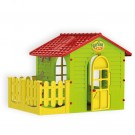 Zaļš bērnu māja ar terasi